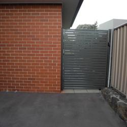 gate.03