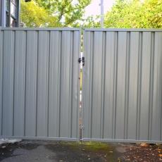 gate.16